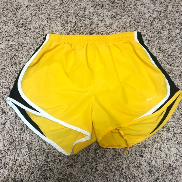 c0c38008006 Nike Tempo Running Shorts Livestrong Dri Fit